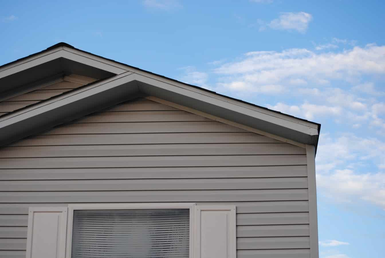 Wondering if it's time for siding replacement on your home's exterior? Here's how to tell if your house needs a facelift.